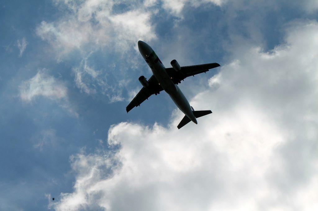 plane-102456_1280